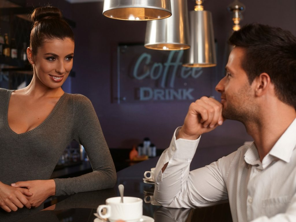 couple at a cafe